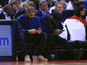 Drake Gets Trolled At A Bar By Comedian TravQue
