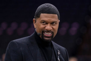 """Jalen Rose Roasts Kendrick Perkins About His """"80s Pastor Suits"""" & Terrible Hot Takes, Twitter Was Here For It"""